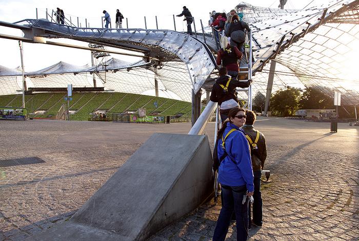 Olympiastadion: Aufstieg zum Zeltdach München