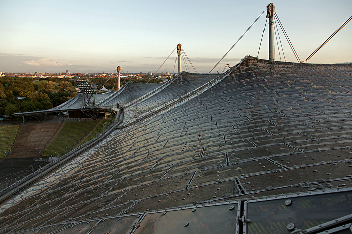 Olympiastadion: Zeltdach und Südkurve München