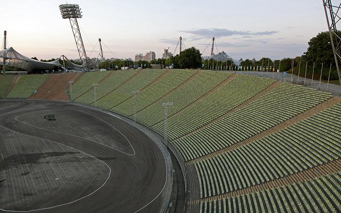 Olympiastadion: Innenraum und Gegentribüne München