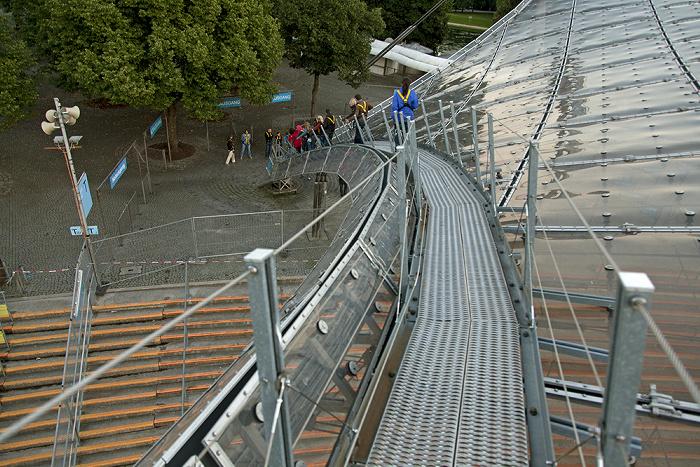 Olympiastadion: Abstieg vom Zeltdach München