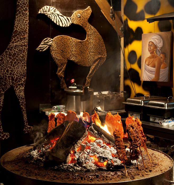 Olympiapark: Sommer-Tollwood - Afrikanischer Grill München