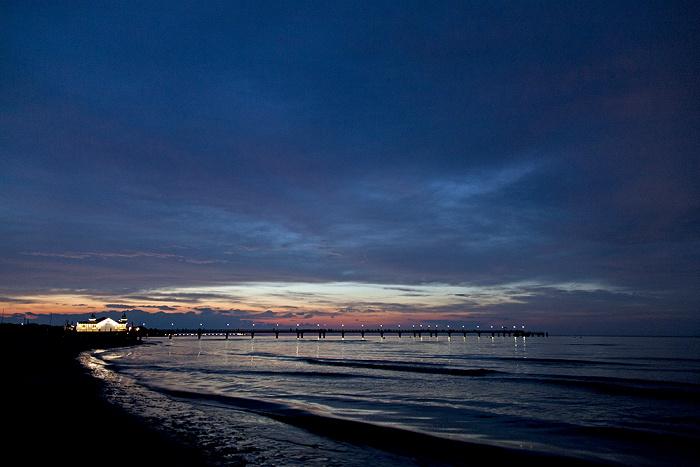 Ahlbeck Strand: Sonnenuntergang über der Seebrücke und der Ostsee
