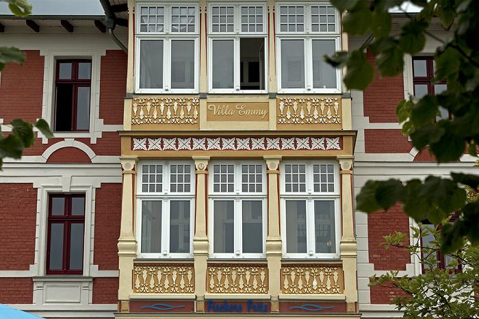 Ahlbeck Dünenstraße: Villa Emmy /  Restaurant Fischers Fritz