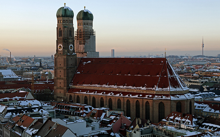 Blick von St. Peter (Alter Peter): Frauenkirche (Dom zu Unserer Lieben Frau) München 2013