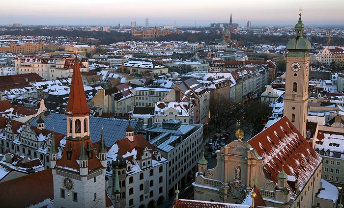 Blick von St. Peter (Alter Peter): Altstadt - Graggenauer Viertel München 2013