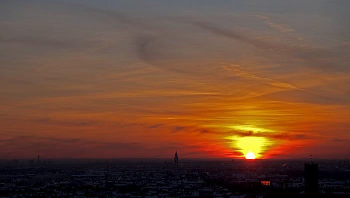 Blick von St. Peter (Alter Peter): Sendling - Sonnenuntergang München