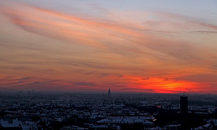 Blick von St. Peter (Alter Peter): Ludwigsvorstadt-Isarvorstadt, Sendling - Sonnenuntergang München