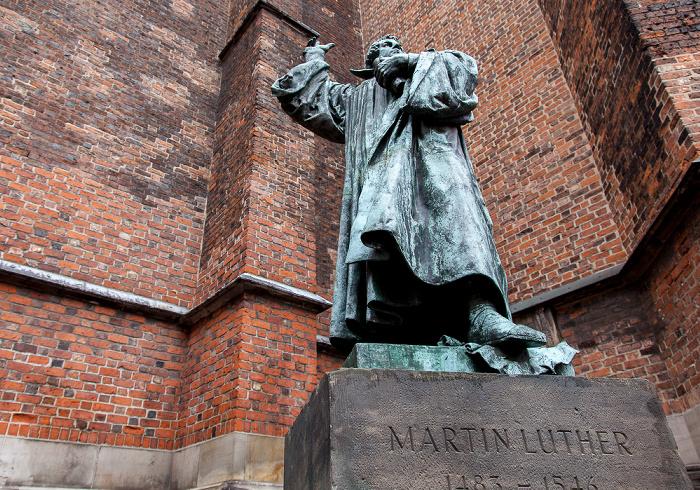 Hannover Altstadt: Martin-Luther-Denkmal Marktkirche