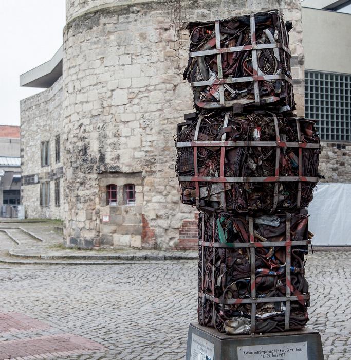 Hannover Altstadt: Hohes Ufer - Denkmal für Kurt Schwitters und Karl Jakob Hirsch (von János Nádasdy)