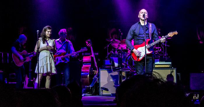 Royal Albert Hall: Mark Knopfler London Mark Knopfler und Band zusammen mit Ruth Moody