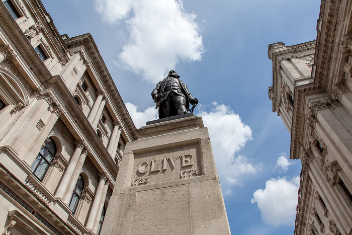 City of Westminster: King Charles Street - Robert-Clive-Denkmal London