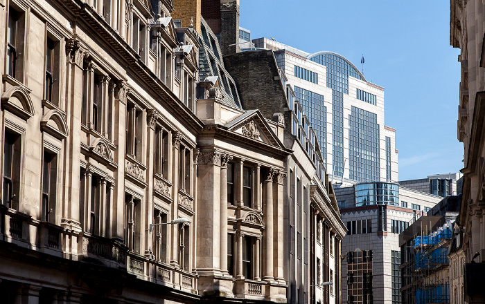 City of London: Lloyd's Avenue One America Square