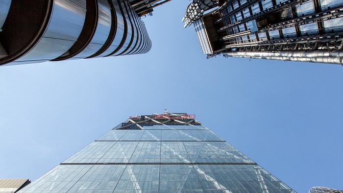 City of London: Lloyd's of London Building (oben), Leadenhall Building (122 Leadenhall Street) (unten)