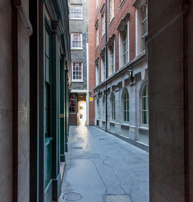 City of London: Cowper's Court
