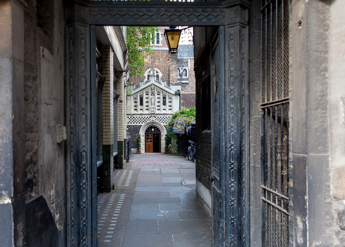 City of London: Durchgang zur St Bartholomew-the-Great (Great St Barts) London