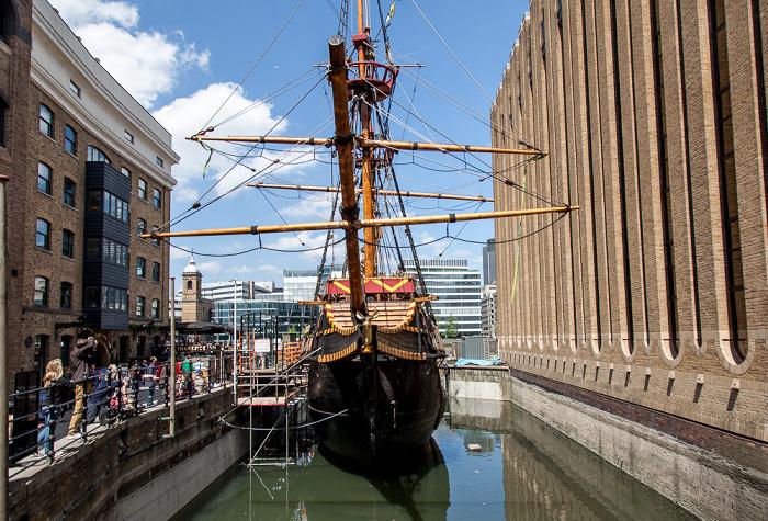 London Bankside: St Mary Overie Dock - Nachbau der Golden Hinde
