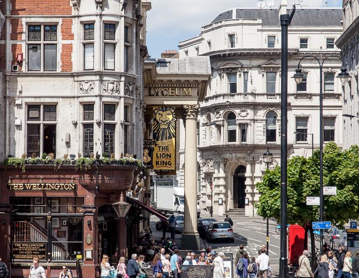 London Covent Garden: Strand / Wellington Street - The Wellington und Lyceum Theatre