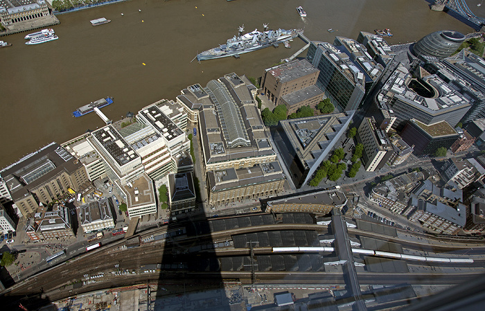 London Blick von The Shard: Southwark, Themse City Hall Hay's Galleria HMS Belfast London Bridge Station More London Southwark Crown Court