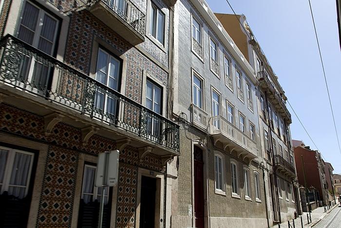 Eléctrico 25: Rua Garcia de Orta Lissabon