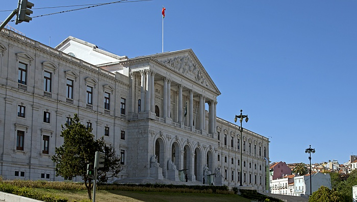 Eléctrico 28: Calçada da Estrela - Palácio de São Bento (Assembleia da República) Lissabon