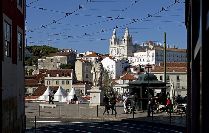 Lissabon Eléctrico 28: Largo de Santa Luzia Igreja de São Vicente de Fora Miradouro das Portas do Sol