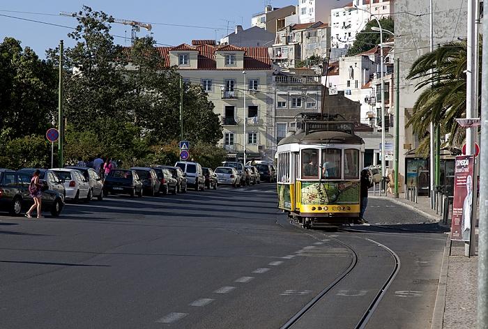 Largo do Martim Moniz: Eléctrico 12 Lissabon