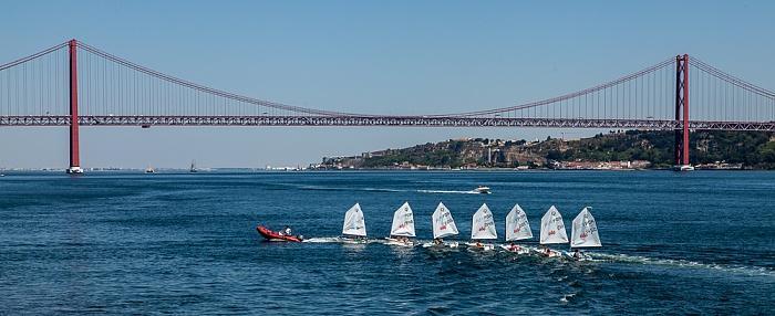 Blick von Belém: Ponte 25 de Abril über den Tejo Lissabon 2013