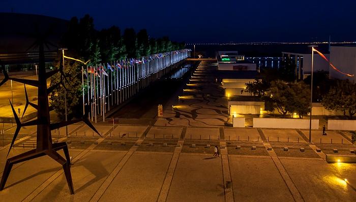 Lissabon Blick aus dem Centro Vasco da Gama: Parque das Nações EXPO '98 Ponte Vasco da Gama Tejo