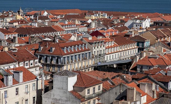 Blick vom Elevador de Santa Justa: Baixa, Tejo Lissabon