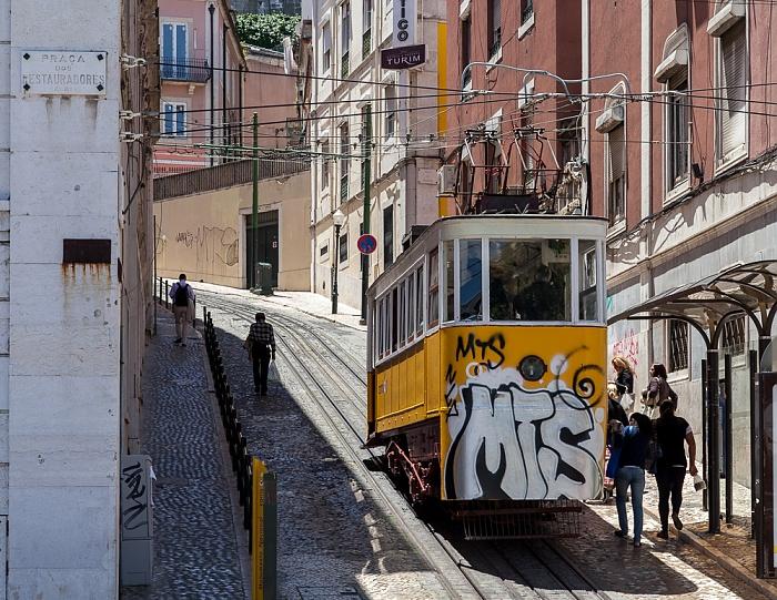 Baixa: Praça dos Restauradores - Elevador da Glória Lissabon