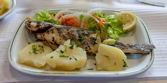 Baixa: Restaurante O Adriano - Gegrillter Fisch Lissabon