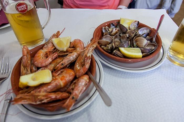 Lissabon Baixa: Restaurante da Calçada (Santa Justa) - Gambas und Muscheln