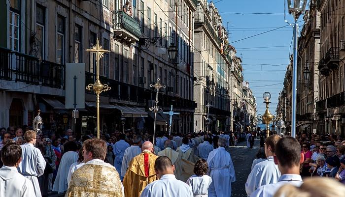 Baixa: Praça da Figueira / Rua da Prata - Katholische Prozession Lissabon