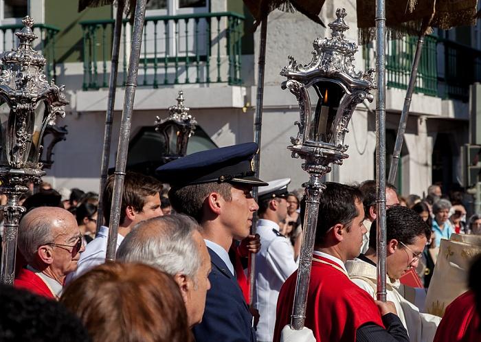 Lissabon Baixa: Praça da Figueira / Rua da Prata - Katholische Prozession