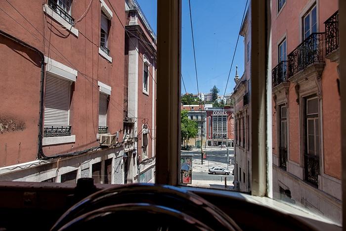 Blick aus dem Elevador da Glória Lissabon