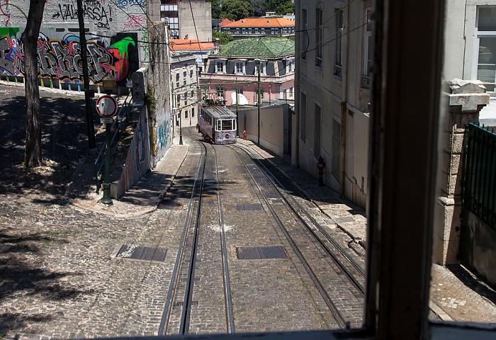 Calçada da Glória: Elevador da Glória Lissabon 2013