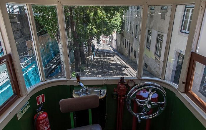Blick aus dem Elevador da Glória: Calçada da Glória Lissabon 2013