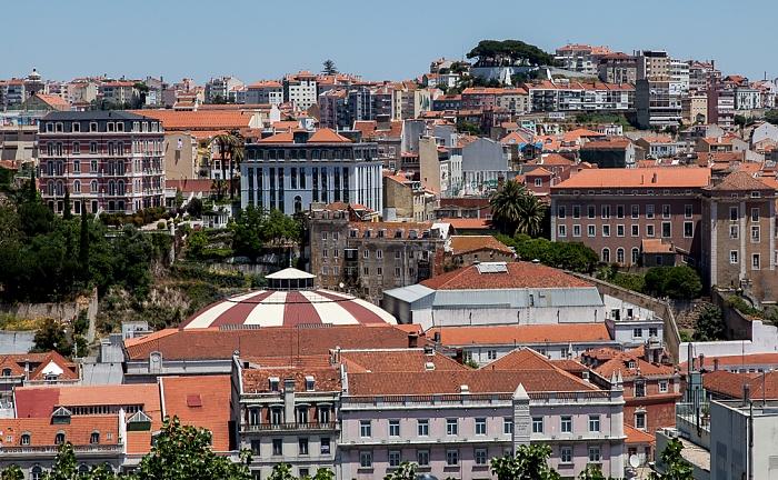 Blick vom Miradouro de São Pedro de Alcântara Lissabon