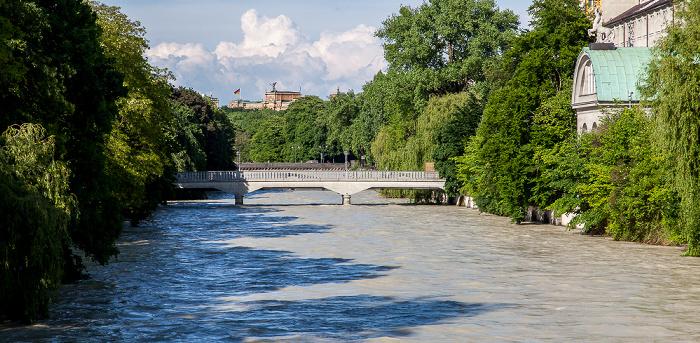 München Blick von der Corneliusbrücke: Isar mit Hochwasser, Boschbrücke Deutsches Museum Maximilianeum