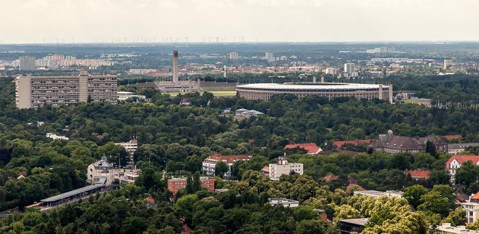 Blick vom Funkturm: Corbusierhaus, Glockenturm, Maifeld und Olympiastadion Berlin