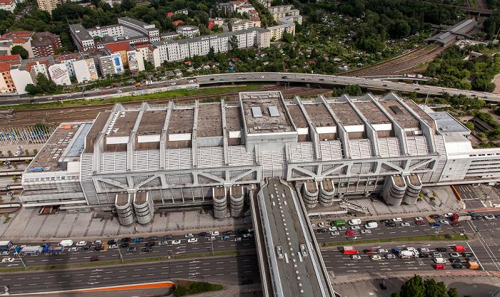 Blick vom Funkturm: Internationales Congress Centrum (ICC) und Messedamm Berlin