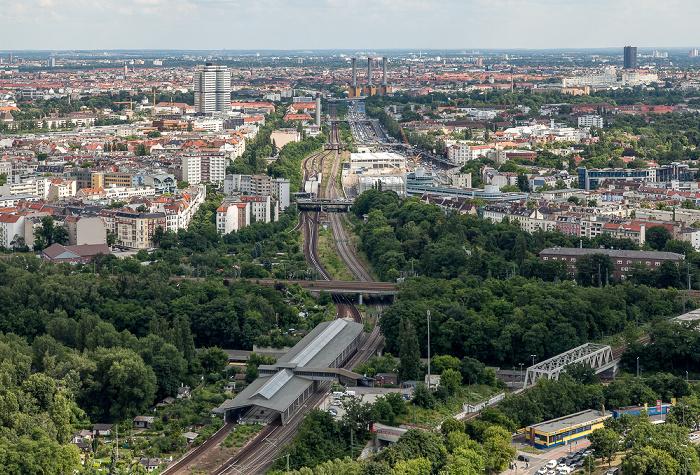 Blick vom Funkturm: Berliner Ringbahn und S-Bahnhof Westkreuz Berlin