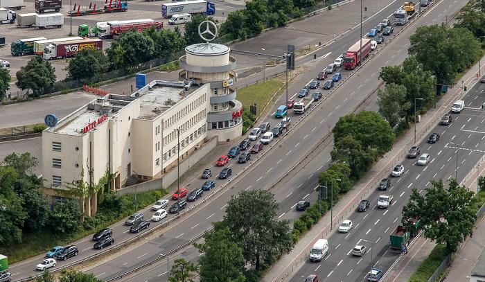 Blick vom Funkturm: Nördliches Ende der Autobahn A 115 (AVUS) Berlin