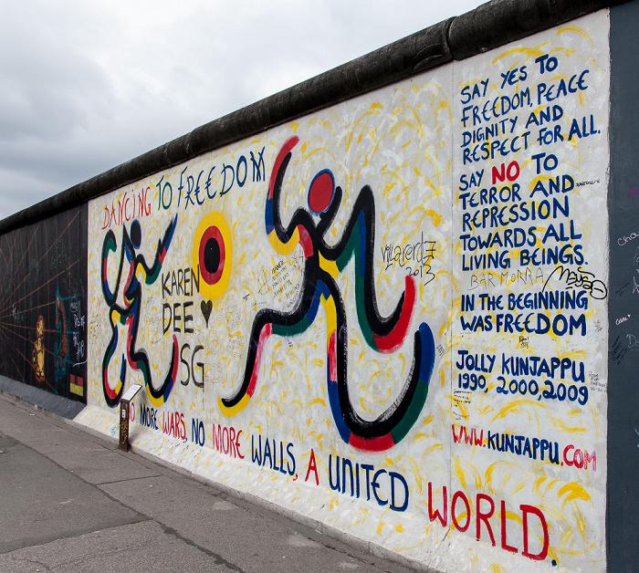 Friedrichshain: East Side Gallery (Berliner Mauer) Berlin