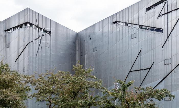 Kreuzberg: Jüdisches Museum Berlin - Libeskind-Bau: Titan-Zink-Fassade Berlin