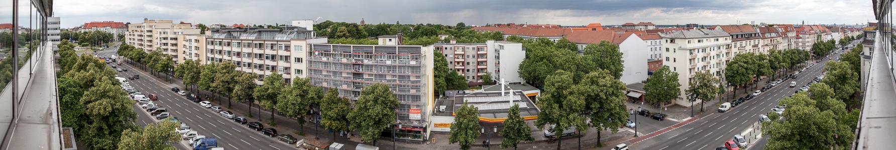 Westend: Blick aus dem Concorde Hotel am Studio auf den Kaiserdamm Berlin