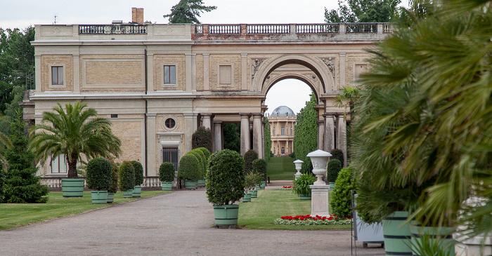 Potsdam Park Sanssouci: Orangerieschloss (Neue Orangerie) - Obere Terrassenebene
