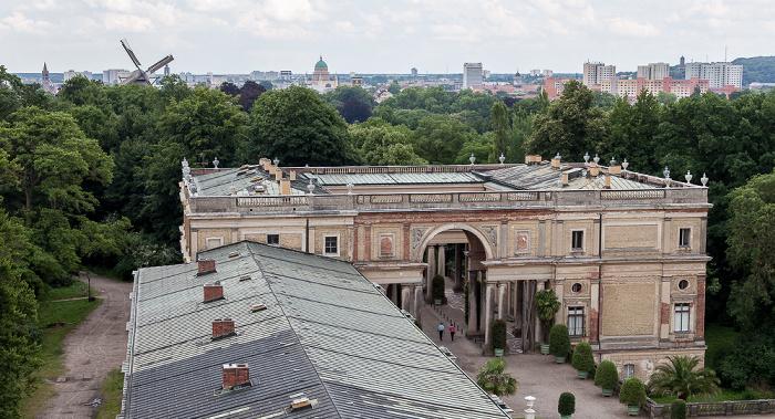 Potsdam Park Sanssouci: Orangerieschloss (Neue Orangerie) - Blick von der Turmgalerie Historische Mühle Nikolaikirche Peter-und-Paul-Kirche