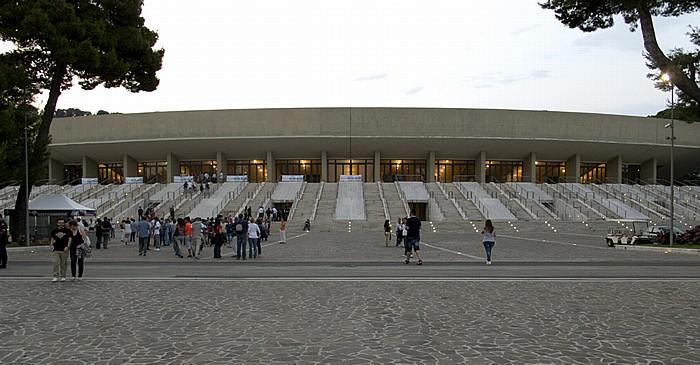 Fuorigrotta: Mostra d'Oltremare - Arena Flegrea Neapel
