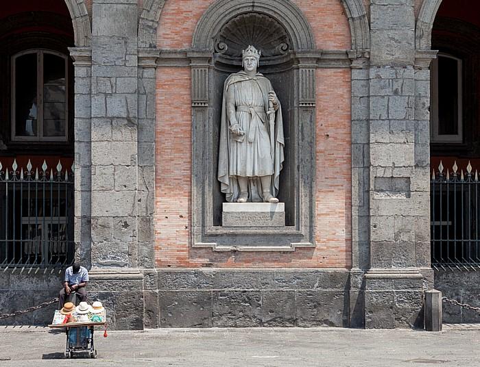 Centro Storico: Piazza del Plebiscito, Palazzo Reale di Napoli Neapel